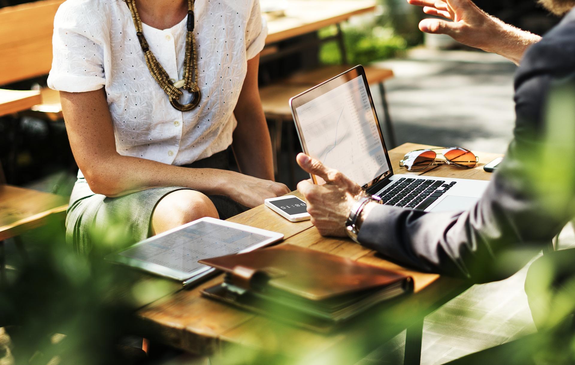 sastanak knjigovođe i klijenta