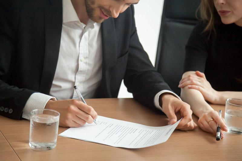 Advokati i izvršitelji u poslovanju